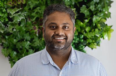 Dr-Aran-Moorthy-dentist